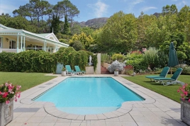 Cape Town Holiday Rentals - Constantia Outlook