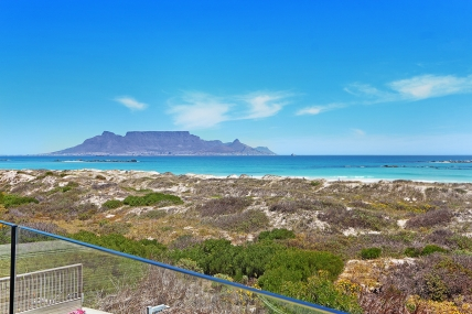 Bloubergstrand Self Catering – On The Beach