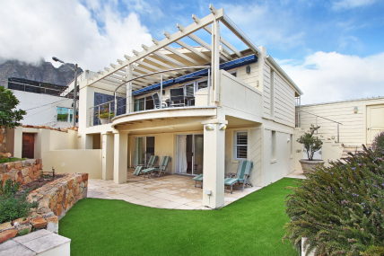 Camps Bay Self Catering – Beta Villa
