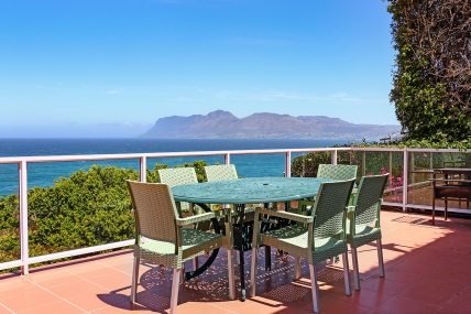 Cape Town Holiday Rental - St James Beach Cottage