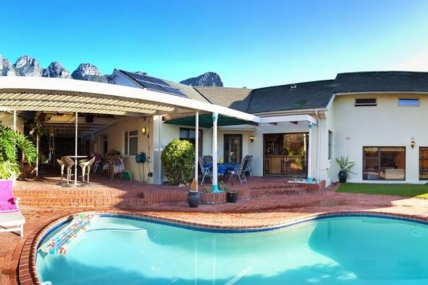 Camps Bay Accommodation - Houghton House