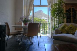Cape Town City Bowl Accommodation - Hiddingh Village Apartment