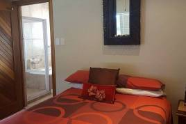Accommodation in the Garden Route - Tuscan Beach House