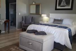 Accommodation in the Garden Route - Cute as a Button in Plett Holiday Home
