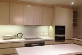 Holiday Apartments - Waters Edge 402
