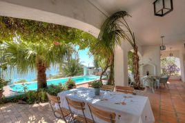 Holiday Apartments - Camps Bay Hacienda