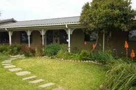 Holiday Apartments - Bettys Rest La Villa
