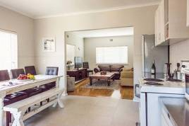 Melkbosstrand Accommodation - Sunshine Cottage