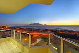 Holiday in Bloubergstrand - - Nautica 501
