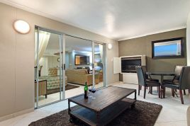 Bloubergstrand Holiday Home Rentals - Nautica 501