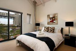 Blouberg Holiday Rentals - Manhattan Wharfside 305