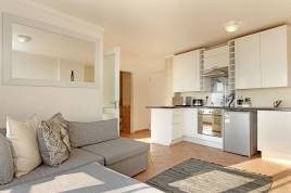 Holiday Apartments - The Bays B202