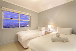 Blouberg Holiday Rentals - The Waves 1001