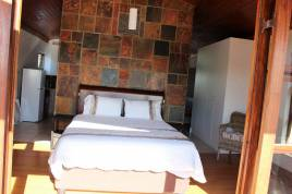 Bloubergstrand Accommodation - Boulders at Baywatch Guest House & Tours