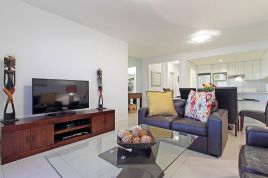 Blouberg Holiday Rentals - Dolphin Beach H104