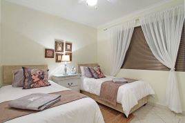Blouberg Holiday Rentals - The Waves 202