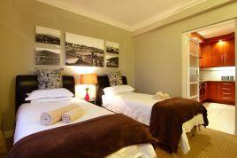 Holiday Apartments - Adenium Beachfront Apartment