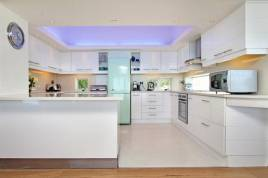 Holiday Apartments - White Cliffs Penthouse