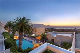 Blouberg Holiday Rentals - Dolphin Beach H108