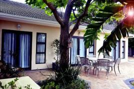 Somerset West Self Catering - Sylvan Park Garden Apartments
