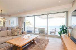 Camps Bay Accommodation - Waters Edge 302