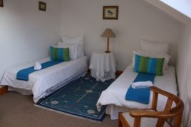 Holiday Apartments - Lance Cottage