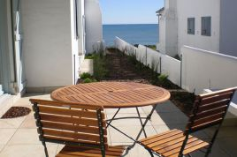 Holiday Apartments - Le Chaim Cottage