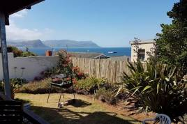 Simons Town Accommodation -  - Penguins View Guesthouse Cottage