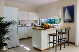 Holiday Apartments - Pepper Berry Place Cottage
