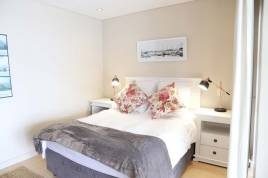 Accommodation in Cape Town - Bantry Bay Studios Harmony Suite