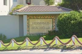 Hermanus Self Catering - Whale View Hermanus Beach Club