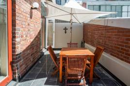 Accommodation in Cape Town - 122 Victoria Junction