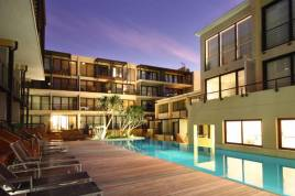 Holiday Apartments - The Piazza
