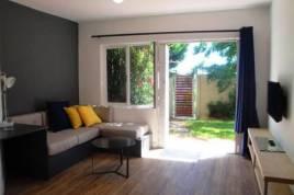 Holiday Apartments - Mobema Court