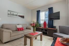 Holiday Apartments - 12 Manhattan Square