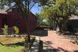 Holiday Apartments - Ruby Rose Self Catering
