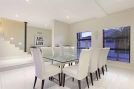Blouberg Holiday Rentals - Watsonia Holiday Home