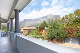 Holiday Apartments - Newport Villa