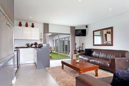 Blouberg Holiday Rentals - North Bay Villa