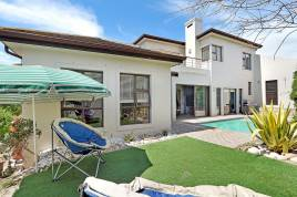 Blouberg Holiday Rentals - Milkwood Family Home