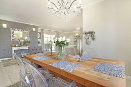 Blouberg Holiday Rentals - Stone Tree