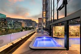 Cape Town City Bowl Accommodation - Chic Onyx