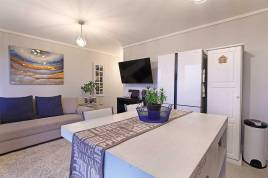 Holiday Apartments - Waters Edge 219