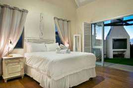 Holiday Apartments - Kings Haven