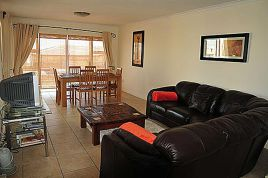 Holiday Apartments - Bradclin Beach House