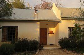 Holiday Apartments - Olive Thrush Cottage