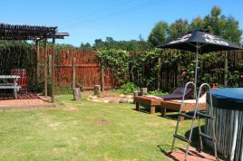 Knysna Self Catering - Protea Cottage