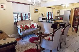Hout Bay Accommodation - HKP - Blackwood