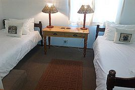 Hout Bay Accommodation - HKP - Wisteria