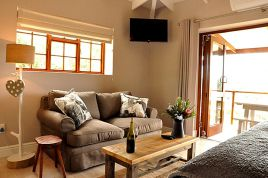 Knysna Self Catering - Woodlands - Double Suite